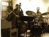 kevin-hart-trio-indoors-edit.jpg