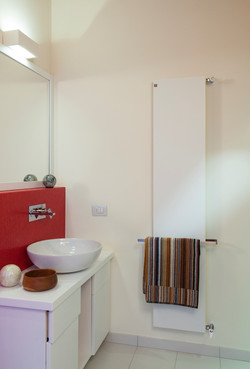 PLATE-Vertical-decorative-radiator-DELTACALOR-04