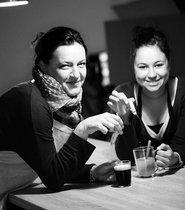 Sylvie et Lauriane, café-crevette
