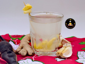 Infusion revitalisante : Ail – Citron – Gingembre