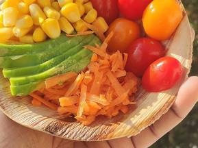 Une salade et son pain fait maison