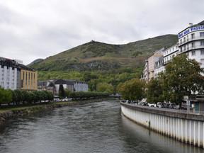 Un tour dans les Hautes-Pyrénées: Welcome back to Lourdes