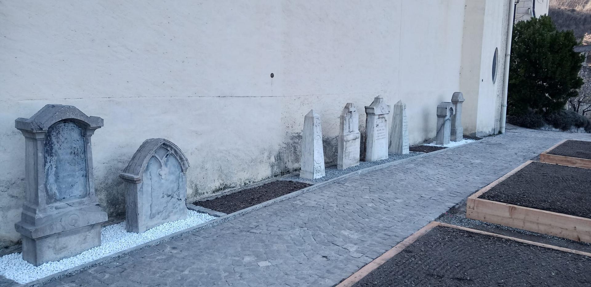 stele-cimetière1.jpg