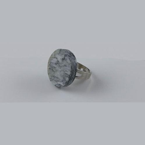 Bague en marbre gris