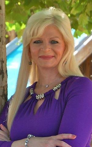 Lynn Wicker Head Shot.jpg