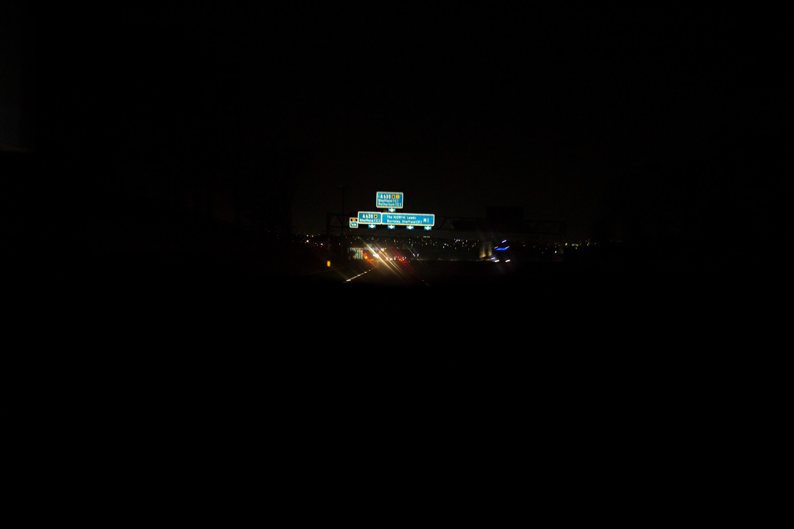 road sign blurry 5.JPG