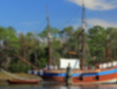 Elizabeth II replica Roanoke Island Fest