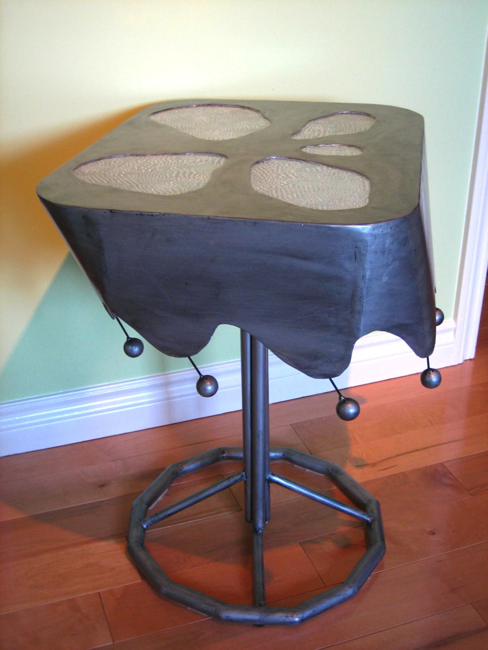 breezy end table