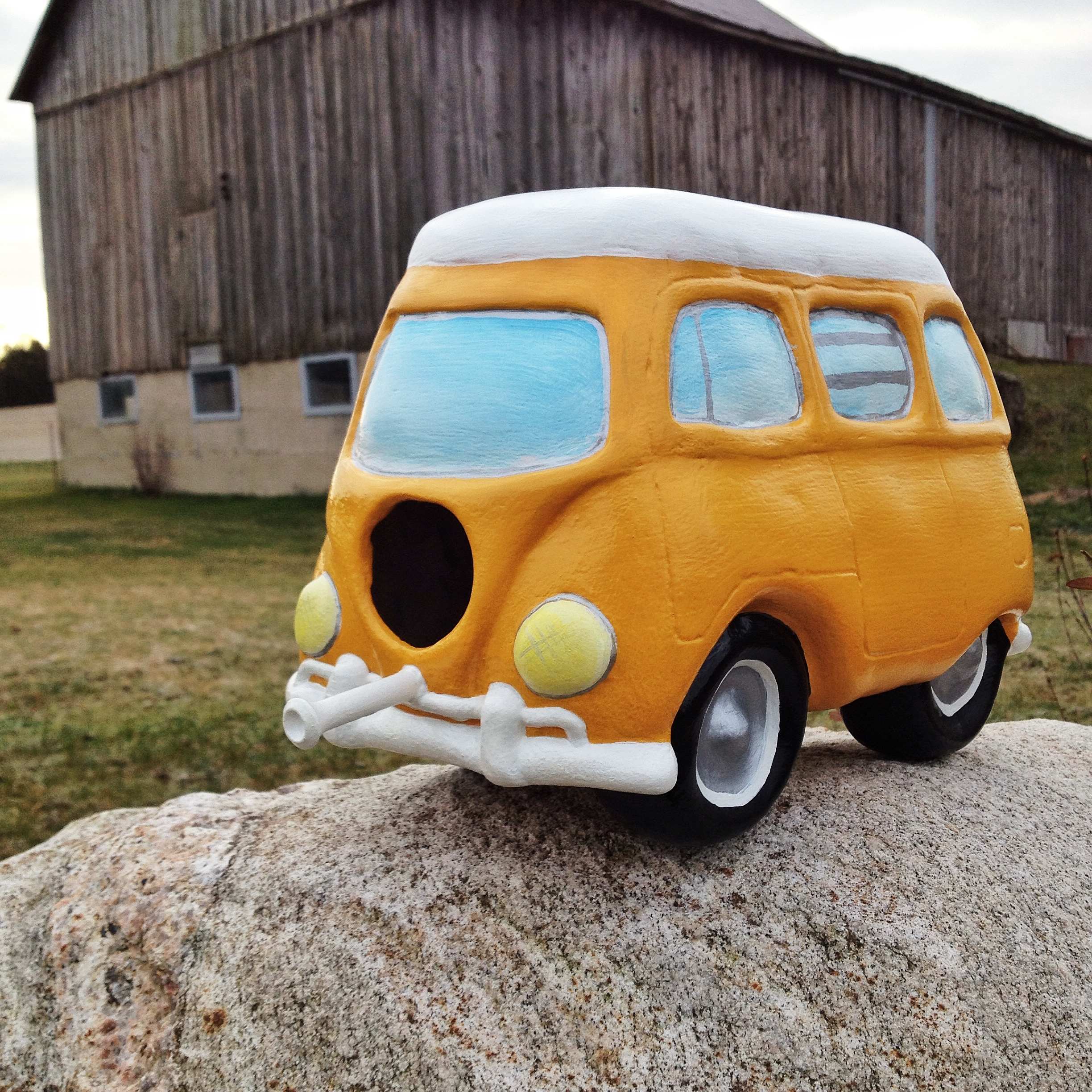 VW bus bird home