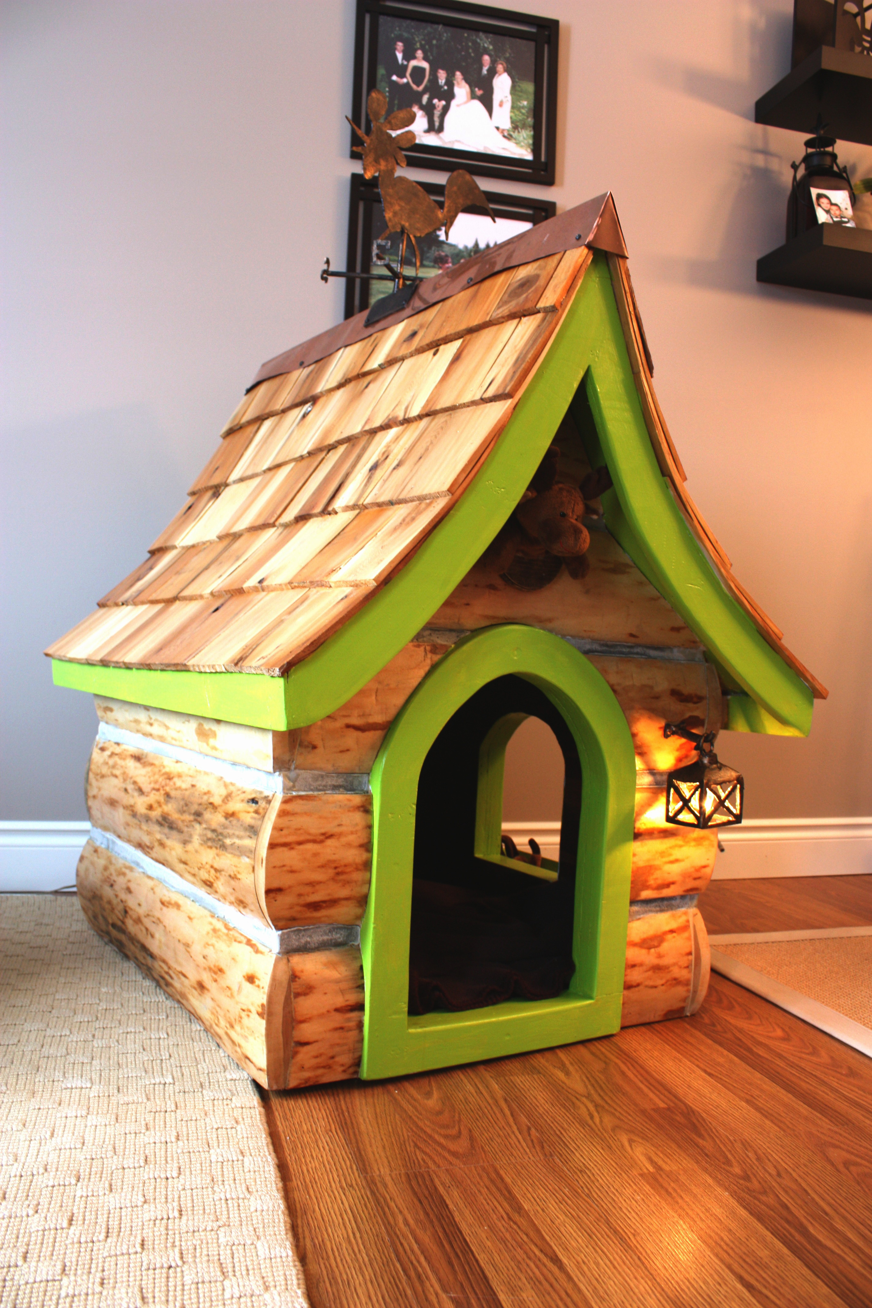 Maggie's log dog house