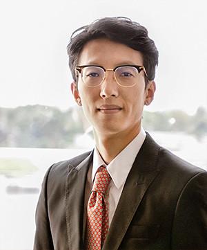 Marshall Liang 首席運營官 及 合規官