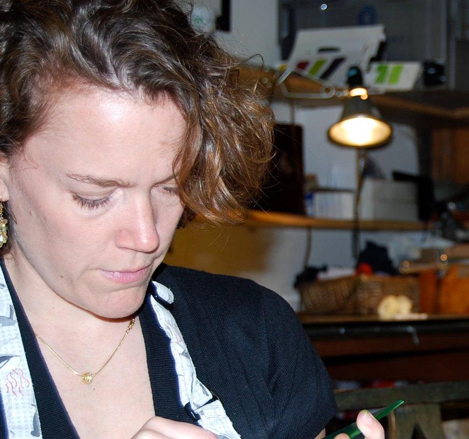 11 Lisa Arrington Wiping copy.jpg