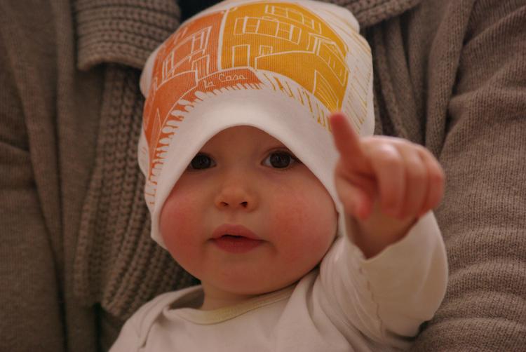 23 Abby Deans, Desi in Hat, Linocut