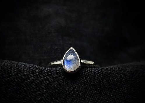 Small Rainbow Moonstone Tear 925 Sterling Silver Ring