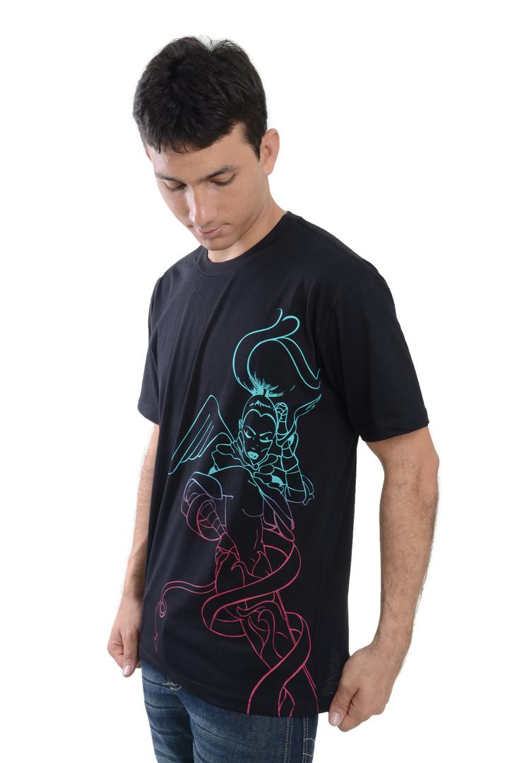 Camiseta Estampa Angel. SKU 2101121011