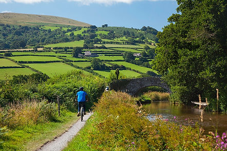 Monmouth and Brecon Canal, cycling holidays in England and Wales