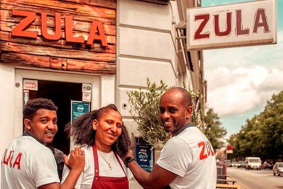 Zula%C3%82%C2%B4s_team_edited.jpg
