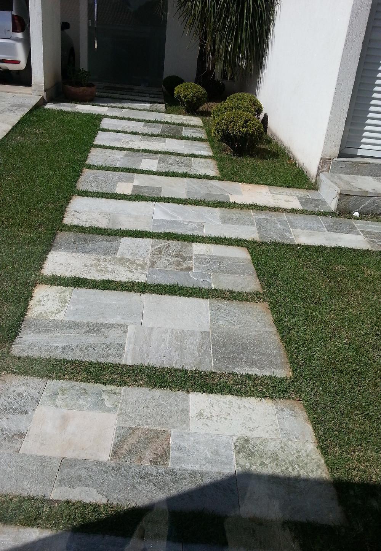Limpeza de pedras, pedra dura, pedra goias, limpa pedras, pedra de grama, gramado, garagem