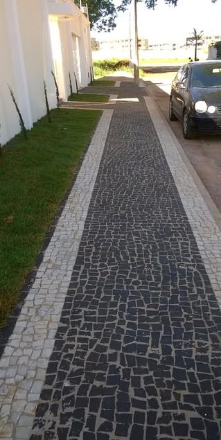 Vantagem de colocar pedras ao invés de pisos em geral