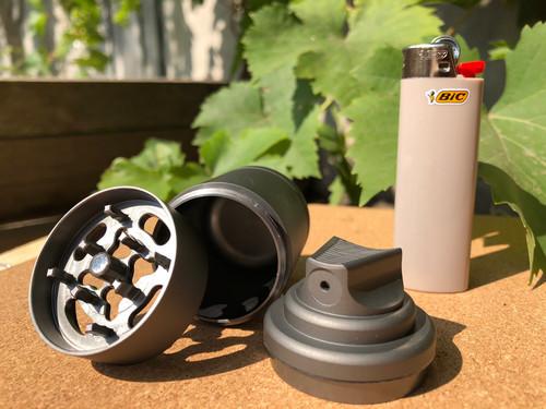 420 Cartel Premium Grinders And Jars Distibutor Monchengladbach