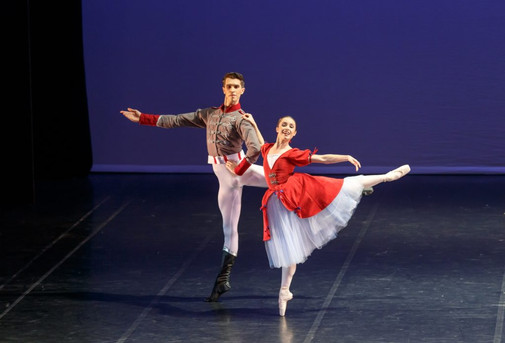 Dancers-Damir-Emric-and-Lucy-Green-in-RN
