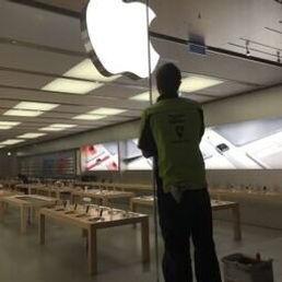 Apple Store Glass Scratch Repair
