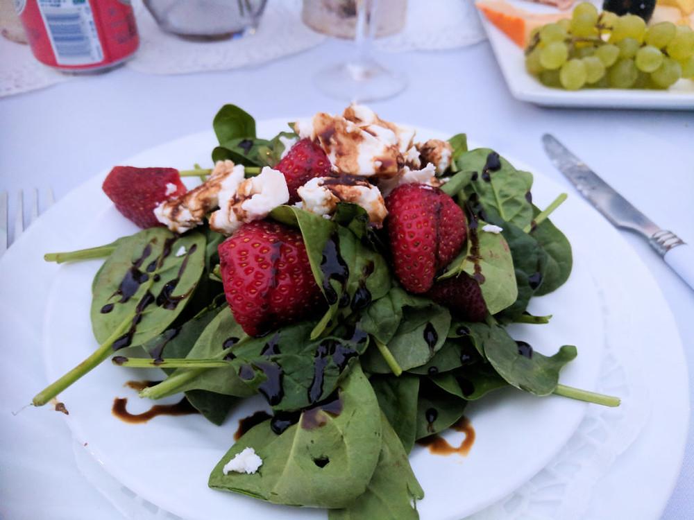 Diner en Blanc - salad