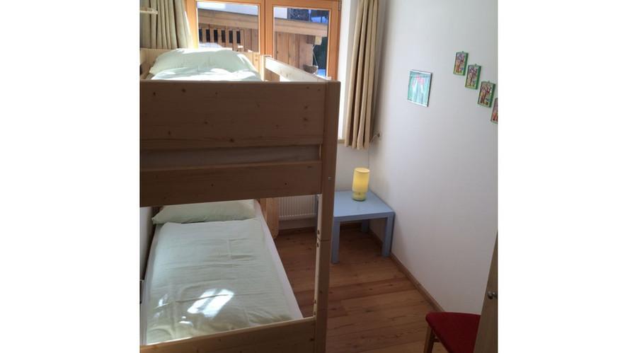 zimmer-2-neues-etagenbett.jpg