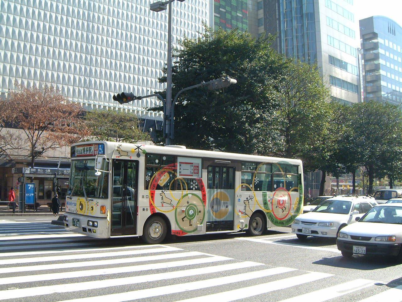 2001_artbus2.jpg