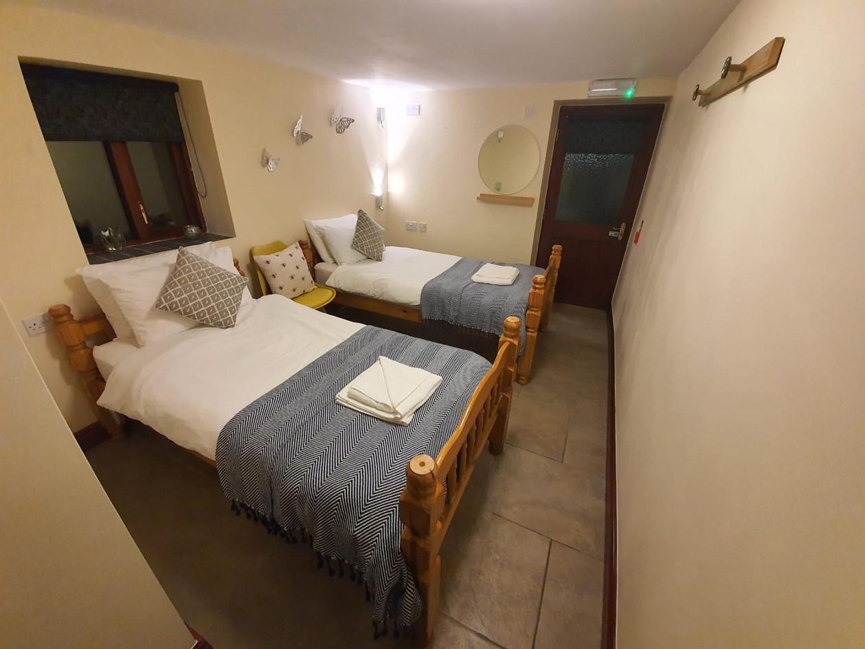 HB bedroom twin.jpg