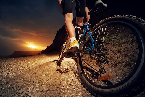 cyclist_nighttime.png