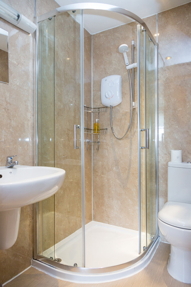 Howgills Apartments 10 Shower Room Self