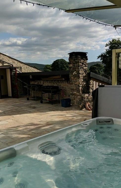 Hot tub Howgills Barn