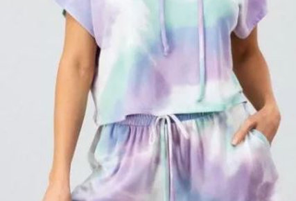 KICKIN IT 2 Piece Oversized Hooded Tie Dye Lounge / PJ Shorts Set