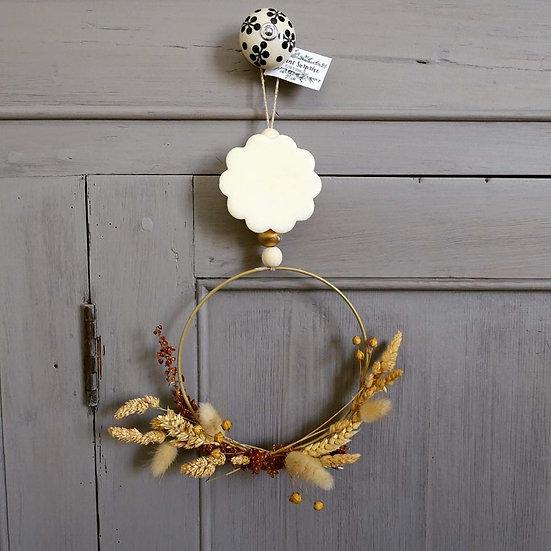 Suspension parfumée couronne de fleurs séchées