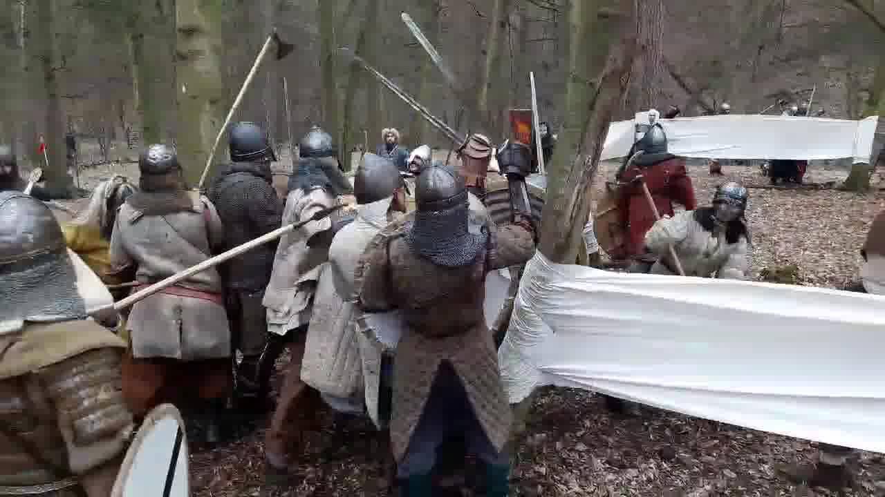 """Další video z Konce berserkrů v Čechách, námi organizované bitvy. Tentokrát ze závěrečného dobývání """"pevnosti""""."""
