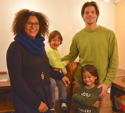 Familienfoto%202019_edited.jpg