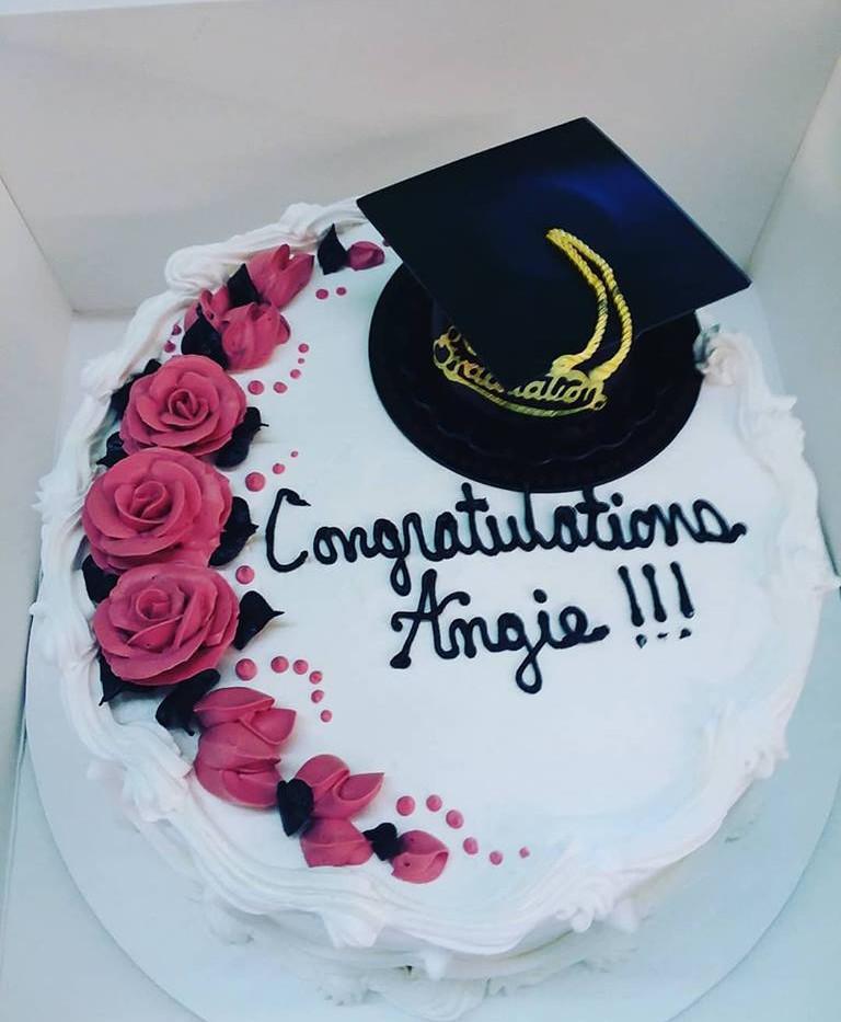 Mexicos famous graduation cakes