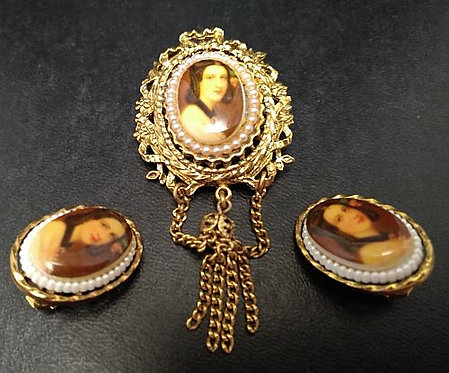 ART Victorian Style Cameo and Earring Set