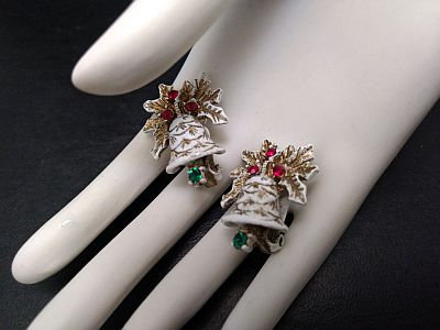 Vintage DODDS Christmas Bell Earrings