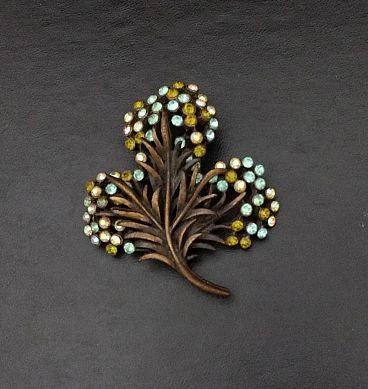 Karu Arke Flower Pin