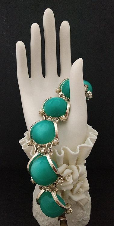 1950's Green Lucite Bracelet