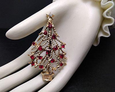 Vintage Christmas Tree Pin Red Rhinestones j510111