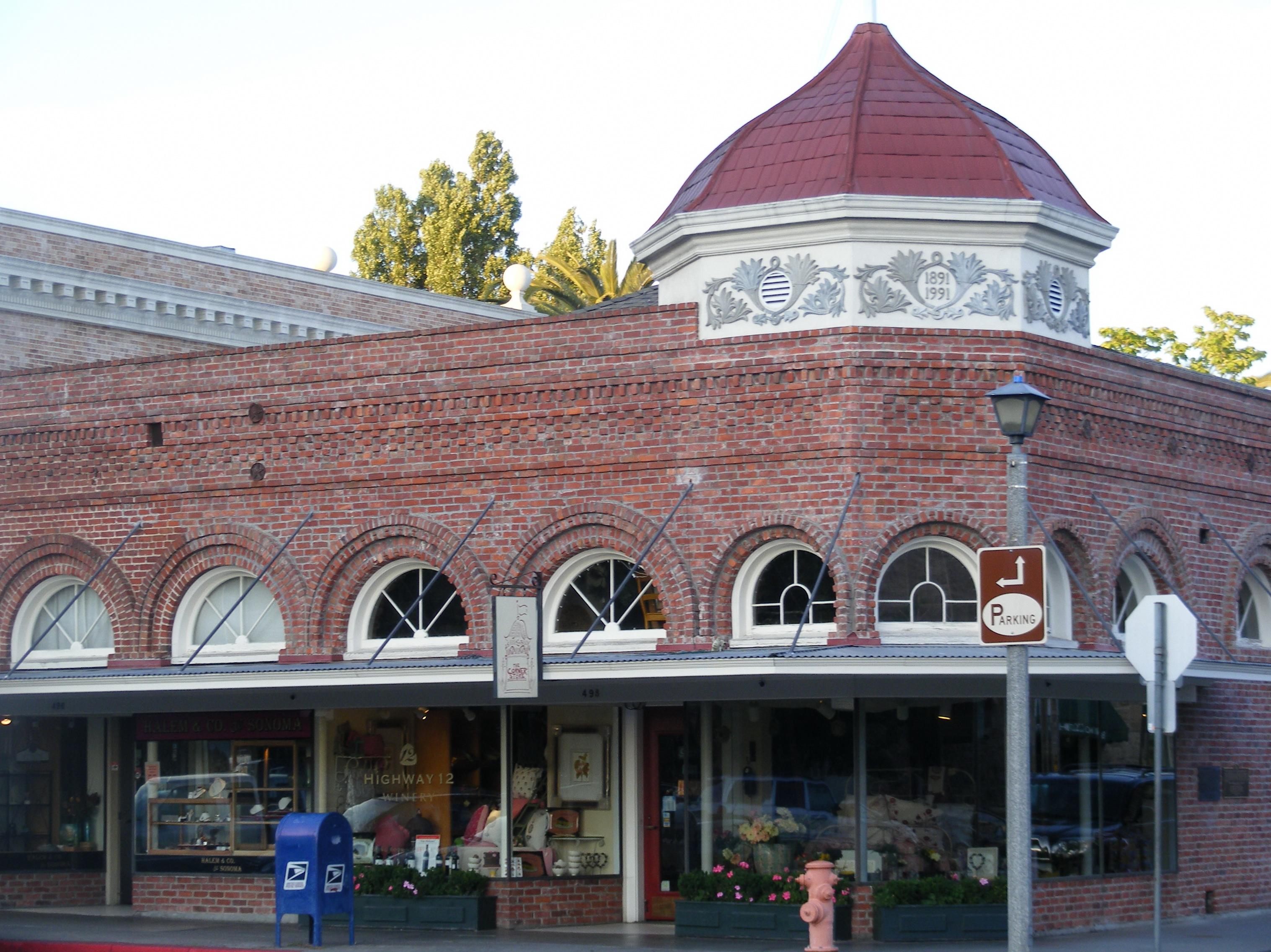 Shops of Sonoma Plaza