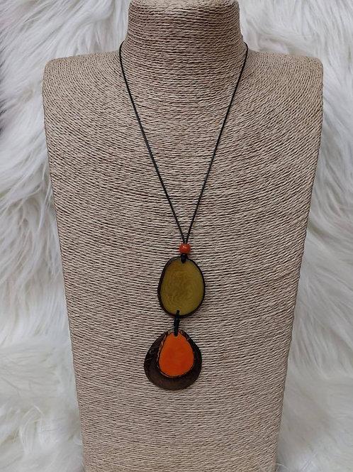 Halskette aus Tagua