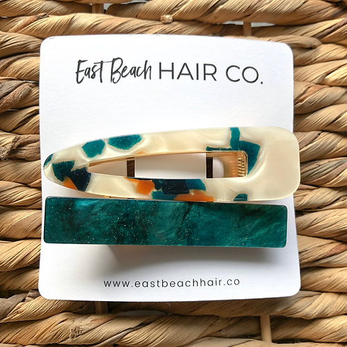 Turtle and jade set of two hair clips in acrylic resin on gold alligator clips.