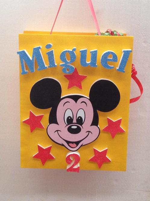 REF.812 Piñata Mickey en relieve