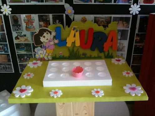 REF.635 Base de galletas-pastelitos Dora y nombre