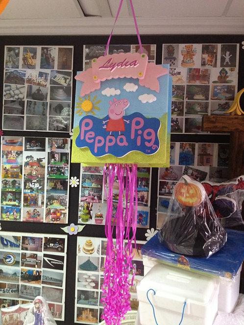 REF.809 Piñata Peppa Pig