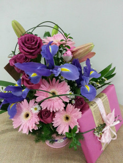 Large Posy in Tin with Chocolates $8